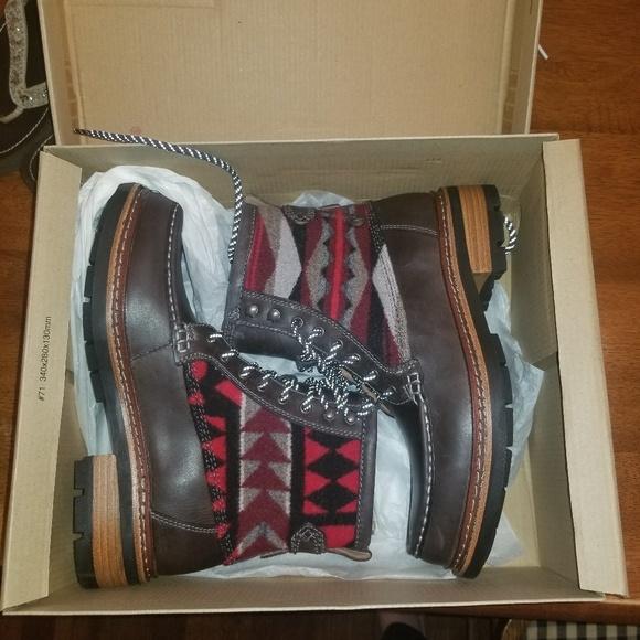 Clarks Shoes - 🥳HOST PICK😁🦸♂️